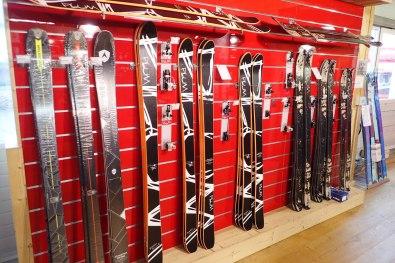 Plum brand skis